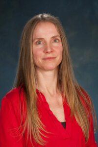 Dr. Leslie Moore headshot